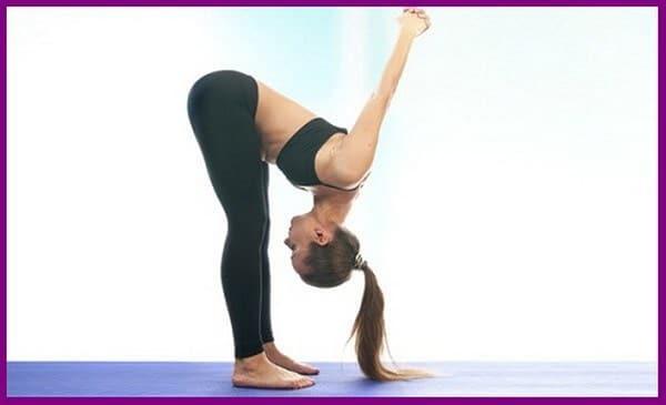 yoga big boobs